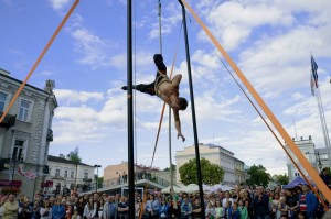 aerial_street_show1